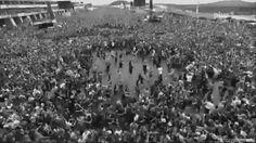 ...and here we see the majestic mosh pit in it's natural habitat...Warped Tour :D
