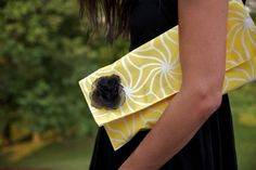 How to make a clutch out of a placemat.  Sounds like an inexpensive way to have a purse for every season.