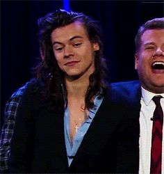 harry styles late late show Harry Styles Baby, Harry Styles Gif, Harry Styles Long Hair, Harry Styles Mode, Harry Styles Pictures, Harry Edward Styles, Harry Styles Hands, Harry Styles Crying, Harry Styles Imagines