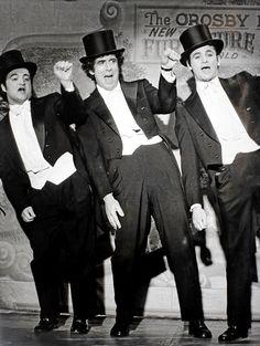 John Belushi, Elliott Gould and Bill Murray on SNL