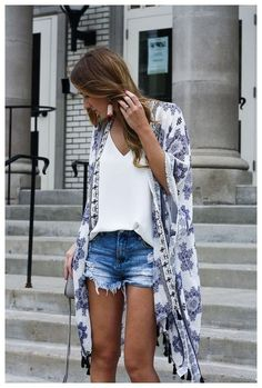 How to pack for the beach 2017 cute summer outfit ideas kimono outfits kimono and cut offs kimono beach cover up denim cut offs summer hat outfit bright dress outfit summer dresses cute romper outfits for summer Source by Ideas for summer 30 Outfits, Outfits With Hats, Summer Outfits Women, Short Outfits, Spring Outfits, Cute Outfits, Summer Dresses, Outfits With Jean Shorts, Outfits For Hawaii