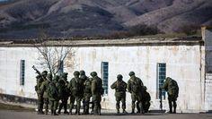 LA VOZ DE LA DEMOCRACIA: Ucrania opta por retirar a sus militares de Crimea...