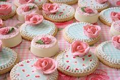 Las delicias del buen vivir Flower Cookies, Mini Cakes, Cake Cookies, Cake Designs, Sweet Treats, Cheesecake, Candy, Desserts, Food