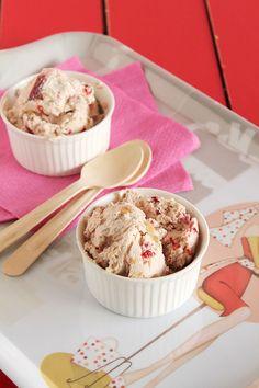 Παγωτό cheesecake φράουλα - The one with all the tastes Cheesecake Ice Cream, Popsicles, Nutella, Sweet Recipes, Smoothies, Recipies, Food Porn, Sweets, Desserts