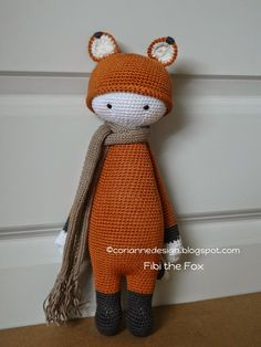 FIBI the fox made by coriannedesign / crochet patterns by lalylala