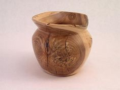 Exquisite Woodsmithing   Turnings   Apple Bowl   Great bowl from a knotty piece of apple.