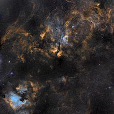 Космические облака из газа и пыли в созвездии Лебедь