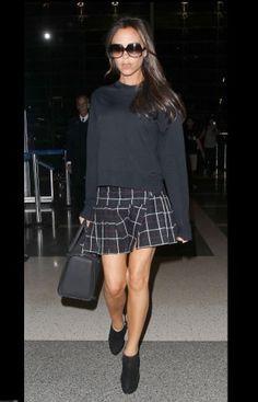 Victoria Beckham, school girl en mini jupe