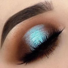 makeup everyday eyeshadow makeup video makeup natural eyeshadow palettes makeup studio makeup without eyeliner makeup lessons makeup 2018 Eye Makeup Blue, Shimmer Eye Makeup, Natural Eye Makeup, Eye Makeup Tips, Makeup Goals, Makeup Hacks, Skin Makeup, Makeup Inspo, Eyeshadow Makeup