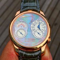 absolutely stunning FP.Journe Chronomètre à Résonance with a rarely seen mother-of-pearl dial.