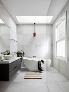 bathroom ideas modern / bathroom ideas - bathroom ideas small - bathroom ideas on a budget - bathroom ideas modern - bathroom ideas master - bathroom ideas apartment - bathroom ideas diy - bathroom ideas small on a budget Family Bathroom, Budget Bathroom, Bathroom Inspo, Master Bathroom, Bathroom Ideas, Bathroom Styling, Bathtub Ideas, Modern Bathroom Design, Bathroom Interior Design