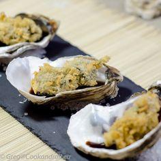 Huîtres panées à la chapelure panko, sauce tonkatsu... parfait en apéro ou entrée de fête :-) La recette est sur Cookandroll.eu : http://www.cookandroll.eu/archives/2013/12/19/28700068.html