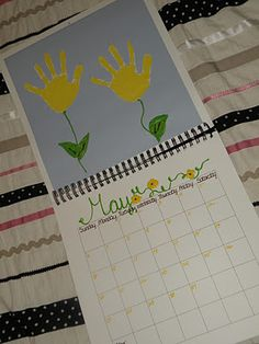 handprint calendar...would be a neat christmas gift for parents!