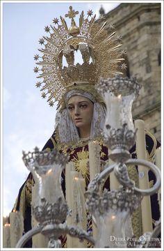 Virgen de los Dolores. El Nazareno