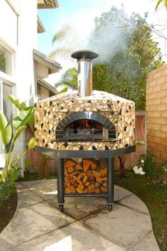 I like the idea of the tile work on this outdoor pizza oven, but I want one that's stationary - not portable.