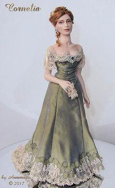 Dollhouse Dresses, Dollhouse Dolls, Miniature Dolls, Miniature Crafts, Miniature Houses, Victorian Dolls, Victorian Dollhouse, Modern Dollhouse, Pretty Dolls