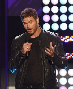 Pin for Later: 28 Reasons Why Comic-Con Is Basically a Hot Guy Parade Kellan Lutz Kellan's looks have definitely matured over the years, which makes it even more tempting to see him in Expendables 3.