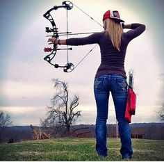 Now that the spring turkey-hunting season is nearly upon us, you should find the right shotgun. As turkey hunting has become increasingly popular, more and more manufacturers have developed shotguns that have more features. Archery Girl, Archery Hunting, Deer Hunting, Archery Poses, Hunting Bows, Archery Targets, Coyote Hunting, Turkey Hunting, Bow Hunting Women