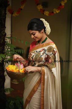Kerala Saree, Indian Sarees, Set Saree, Kasavu Saree, Hand Painted Sarees, Traditional Silk Saree, Salwar Designs, Saree Look, Half Saree