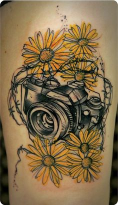 Tattoo done by Maxwell Alves. Curitiba-Brazil love the style of this and the mix between colour and black and white