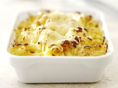 Macaroni met bloemkool - Libelle Lekker! Dutch Recipes, Oven Recipes, Clean Eating Recipes, Pasta Recipes, Italian Recipes, Cooking Recipes, Pesto, Fabulous Foods, How To Cook Pasta