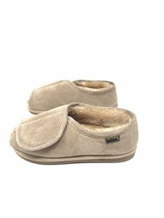 b9585c845b67c8 OLD FRIEND SHEEPSKIN Australia SLIPPERS FOOTWEAR LADIES 6.5 7.5 CHESTNUT  SUEDE