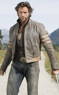The Wolverine Jacket is offered here, this Jacket worn by Hugh Jackman as Logan, in the famous X-Men movie series. The Wolverine, Wolverine Movie, Wolverine Costume, Wolverine Clothes, X Men Comics, Marvel Comics, Hq Marvel, X23 Logan, Larissa Reis