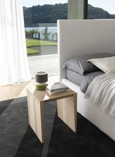 table de chevet contemporaine en bois g hmd interiors. Black Bedroom Furniture Sets. Home Design Ideas