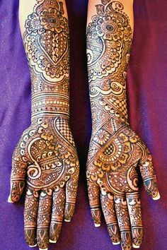 This incredible mehndi artist is a featured finalist in our annual henna contest!