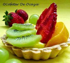 Cofetar De Ocazie: Minitarte cu fructe şi cremă de vanilie Fruit Salad, Deserts, Strawberry, Cooking, Food, Cakes, Dessert, Pie, Fine Dining