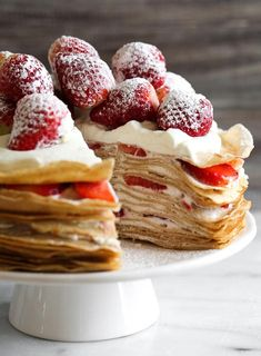 Strawberry Crepes, Baked Strawberries, Strawberries And Cream, Just Desserts, Delicious Desserts, Dessert Recipes, Yummy Food, Recipes Dinner, Sweet Desserts