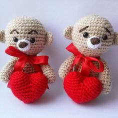 If you love small and cute toys, this free amigurumi pattern is definitely for you! It's really easy and quick to crochet. You'll get a cute kind toy which will be a wonderful gift for your loved one.