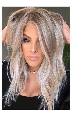 Blonde Hair Looks, Brown Blonde Hair, Blonde Honey, Honey Hair, Golden Blonde, Blonde Hair No Roots, Blonde Hair For Fall, Bleach Blonde Hair, Blonde Hair Shades