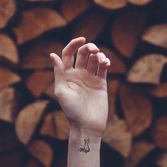 Animal, hand tattoo on TattooChief.com
