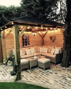 The pergola design allows you to have shade and a place to swing simultaneously. If you choose to make a pergola, you need to understand a number of things. Diy Pergola, Gazebo, Small Pergola, Cheap Pergola, Pergola Shade, Pergola Kits, Pergola Ideas, Patio Ideas, Small Patio