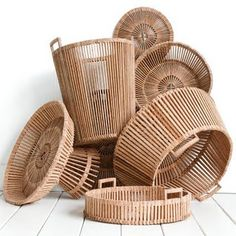Piet Hein Eek's Fair Trade Baskets are Beautifully Handcrafted from Recycled Palm Wood. Each piece is handcrafted in Vietnam using palm wood slabs according to the Fair Trade principles. Slow Design, Wooden Basket, Wicker Baskets, Cute Blankets, Table Design, Deco Design, Home Decor Inspiration, Basket Weaving, Home Accessories