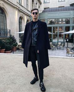 #vscocam #vsco #paris #ritzparis #ritz #menstyle #menswear #mensfashion # alexander mcqueen shoes #sunglasses Rudy Outreville Alexander Mcqueen Shoes, Normcore, Menswear, Mens Fashion, Paris, Sunglasses, Closet, Style, Moda Masculina