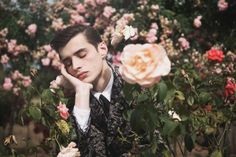 Adrien Sahores by Cecile Bortoletti - The Adrien Sahores by Cecile Bortoletti portrait series graces the latest issue of Commons & Sense magazine. The stunning photoshoot is capture. Portrait Photography, Fashion Photography, Poses References, Flamboyant, Dorian Gray, Cecile, Foto Pose, Flower Boys, English Roses