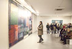 Sanatçı, sergileyeceği bu son çalışmalarında, resimlerinin temelinde bulunan mekan fikrini geliştirerek, yaşadığı mekanlar üzerinden kendi kişisel tarihine odaklanıyor #artfulliving #sergi #exhibition #contemporaryart #secilerel #zilberman #galeri
