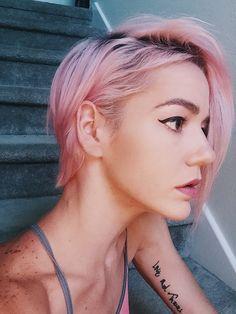 Short hair,  pixie hairstyle, pastel pink, makeup, cat eye, winged eyeliner, asymmetrical bob pixie, chalk splat dusty pink