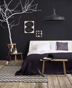 Amazing black bedroom with white tree limb.Love the pops of white. Amazing black bedroom with white tree limb.Love the pops of white. Black Rooms, Black Walls, Bedroom Black, Master Bedroom, White Bedrooms, Bedroom Bed, Room Inspiration, Interior Inspiration, Black And White Interior