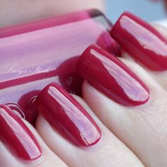 Essie Raspberry - review and swatches - Lucy's Stash...polish dried nice and shiny~Thanks Missie a good pick.