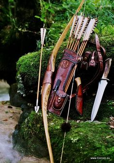 Archery, Jackill bow, side-quiver and big game hunting knives
