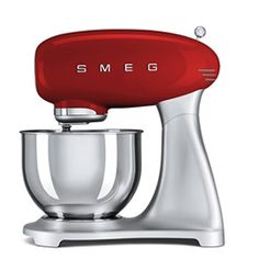 SMF01RDUS: Stand Mixer Smeg designed in Italy, has functional characteristics of quality with a design that combines style and high technology. See it at www.smegusa.com