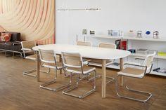 Die zeitlos schönen Stahlrohr-Freischwinger S 32 und S 64 - THONET-Möbel - Stühle, Tische, Sessel und Sofas, Design-Klassiker aus Bugholz und Stahlrohr
