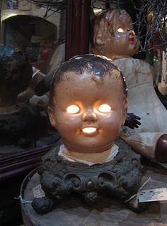 'Cracked in the Head' nightlight...this is so creepy...and fantastic!*