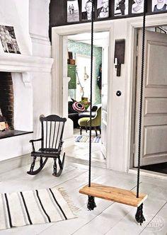El Rincón Vintage de Karmela: Hoy vamos a instalar un columpio en nuestra vida, o en casa. White House Interior, Fireplace Seating, Indoor Swing, Cottage Interiors, House Doctor, Scandinavian Interior, Interior Design Inspiration, My Dream Home, Interior Styling