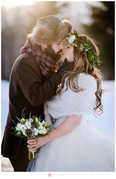 Mariage hivernal rustique  / Canadian Rustic Winter Wedding styled shoot By Genevieve Albert Photographer