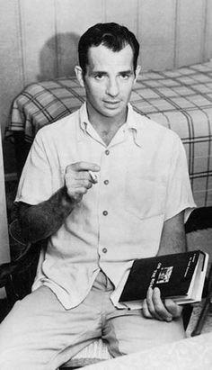 Jack Kerouac y la primera edición de En el camino... Creo...