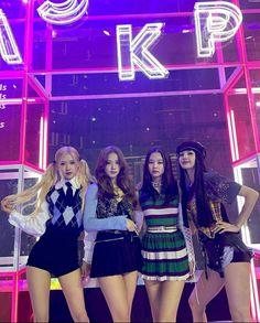 #blackpink Kpop Girl Groups, Korean Girl Groups, Kpop Girls, Blackpink Lisa, Blackpink Jennie, Music Station, Idole, Kim Jisoo, Black Pink Kpop